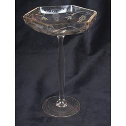 Stikla servējamais trauks