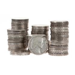 Simts sudraba piecu latu monētas
