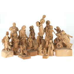 Wooden figure collection (21 pcs.)