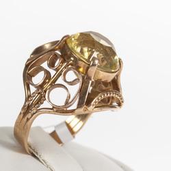 Zelta gredzens ar kvarcu