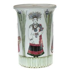 """Porcelāna postaments """"Līgavu parāde"""""""
