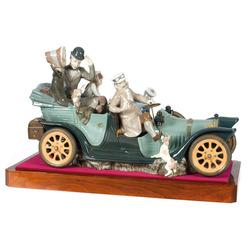 """Porcelāna figūra """"Ģimenes automašīna"""""""
