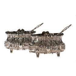 Baroka stila sudraba garšvielu trauciņu komplekts - 2 trauciņi un 2 karotītes