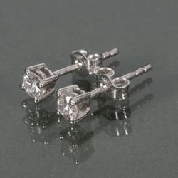 Белые золотые серьги с бриллиантами