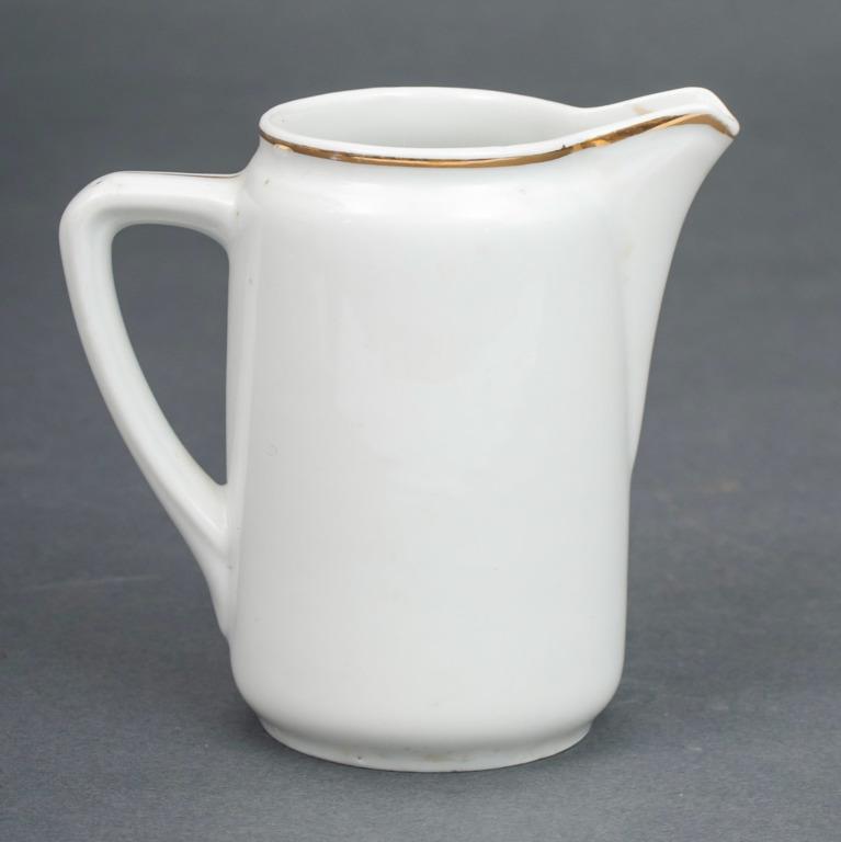 Porcelāna krējuma trauks