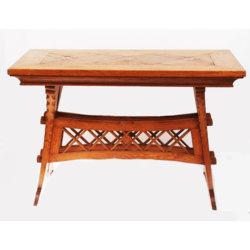 Nacionālā romantisma stila galdiņš