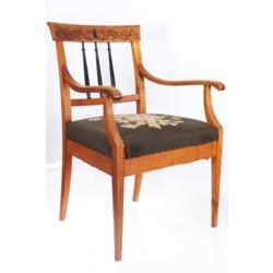 Ķirškoka bīdermeijera stila atpūtas krēsls