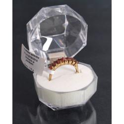 Золотая кольца с гранатах