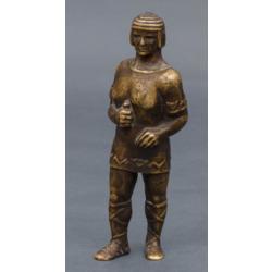 Bronzas figūra Senlatviešu kareivis