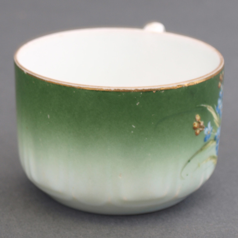 Porcelāna tasīte ar apakštasīti