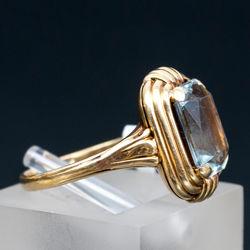 Zelta gredzens ar akvamarīnu