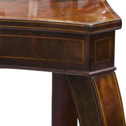 Bīdermeijera stila galds