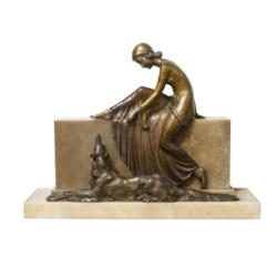 Art deko stila bronzas figūra uz marmora pamatnes