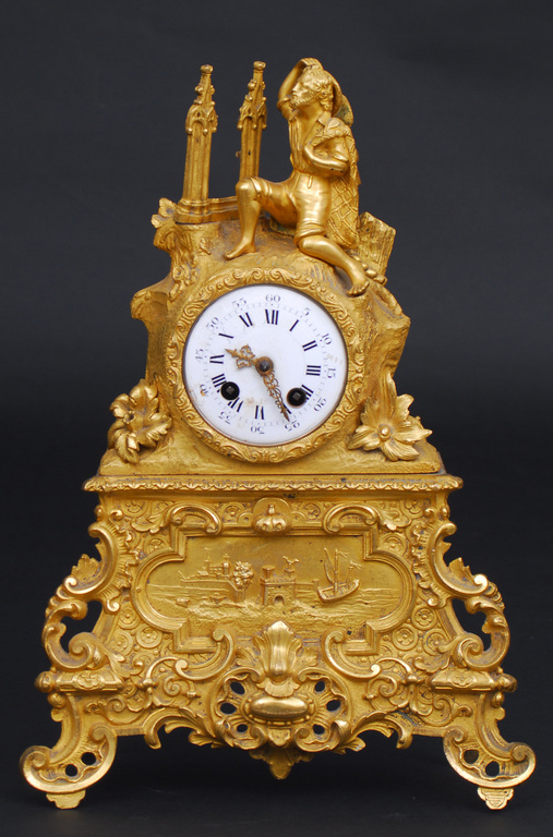 Bronzas kamīna pulkstenis