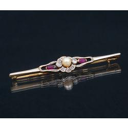Faberžē Zelta piespraude ar briljantiem un pērli