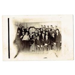 Atklātnīte-fotogrāfija ''Elektrotehniskā laboratorijā''