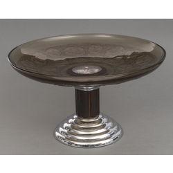 Apsudrabota metāla augļu trauks ar stiklu