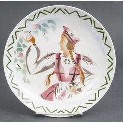 Декоративная фаянсовая тарелка