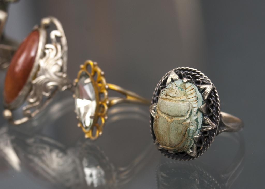 Gredzenu komplekts ar dažādiem akmeņiem (5 gab.)