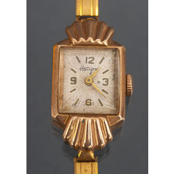 Zelta sieviešu rokas pulkstenis