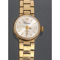Apzeltīts sieviesu rokas pulkstenis