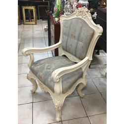 Neorokoko stila krēsls