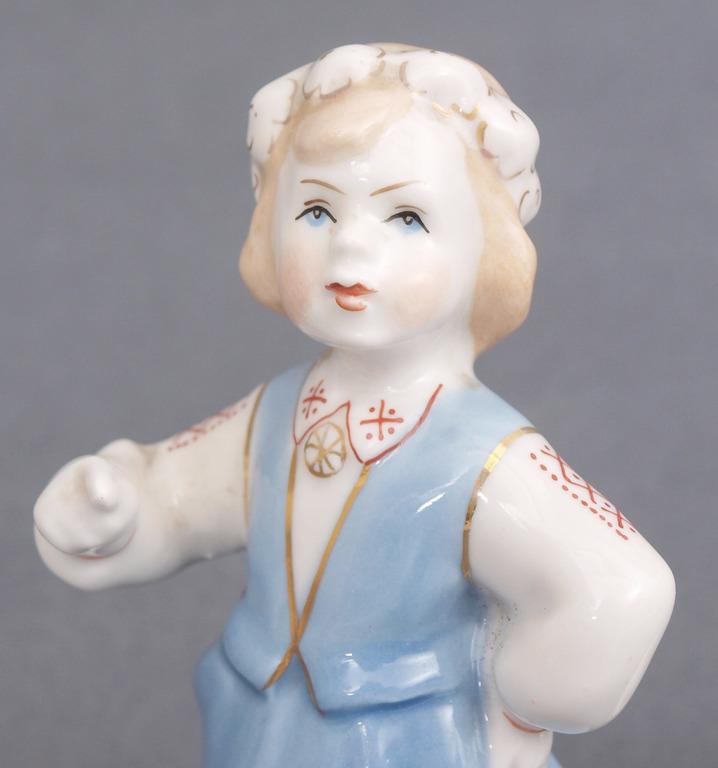 Porcelāna figūriņu pāris Tautu meita ar tautu dēlu