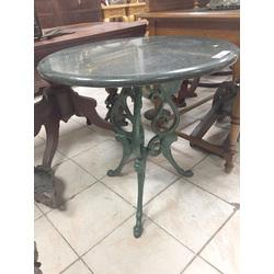 Čuguna galds ar marmora virsmu