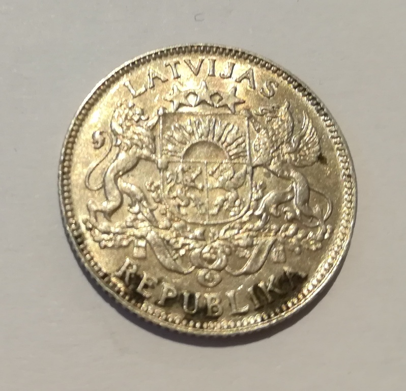 Silver one-lat coin - 1924