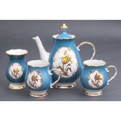 Porcelain set