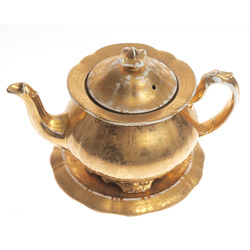 Porcelain kettle with tray