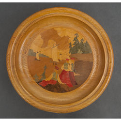 Wooden plate with inlaids
