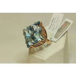 Zelta gredzens ar topāziem