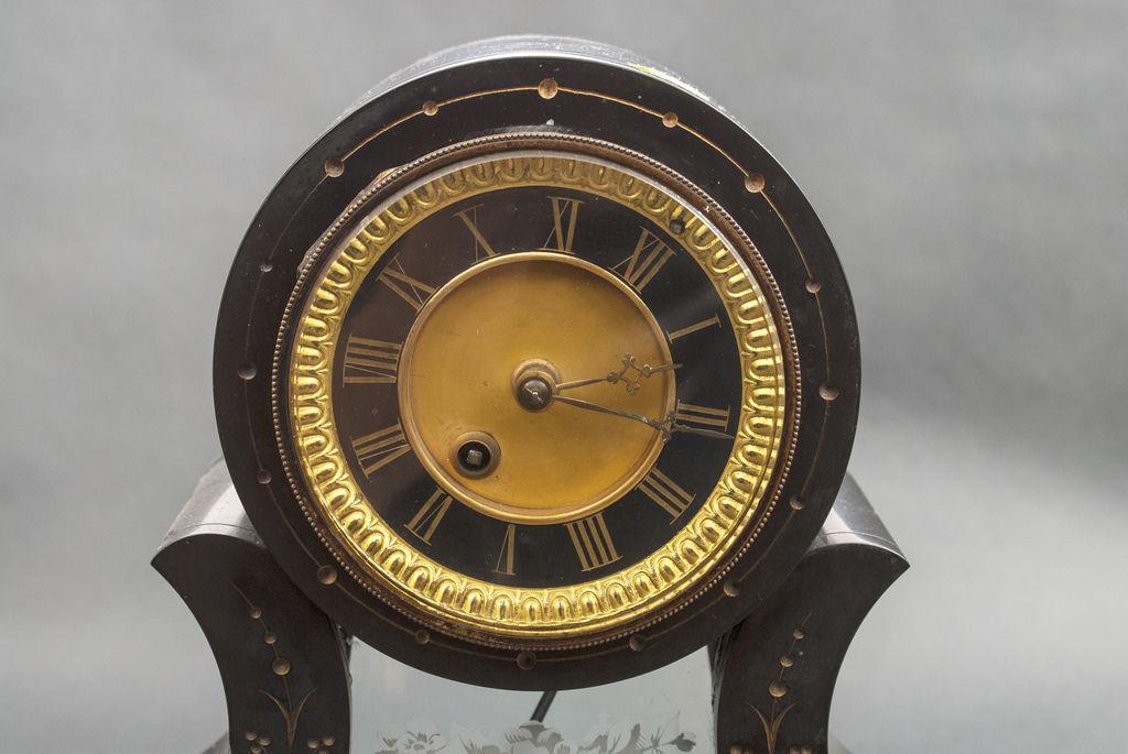 Kamīna pulksteņa komplekts