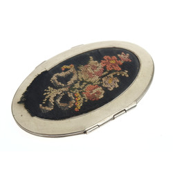 Powder case with embroidery