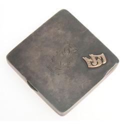 Silver powder case