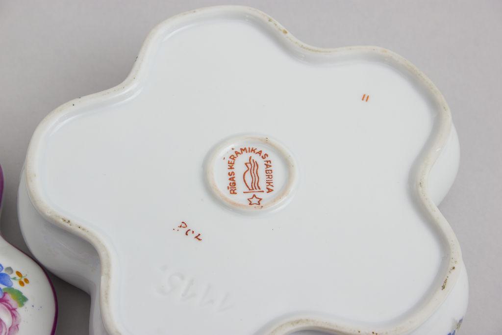 Porcelāna lāde