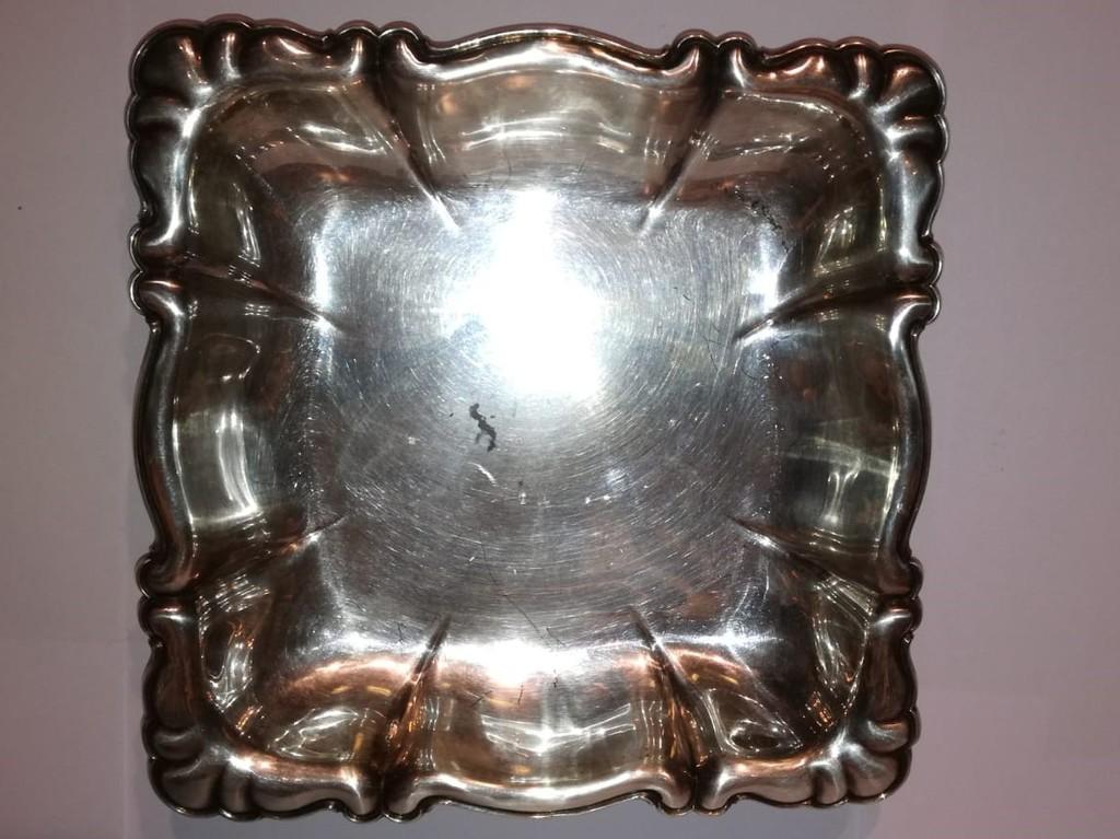 Серебряная конфетница