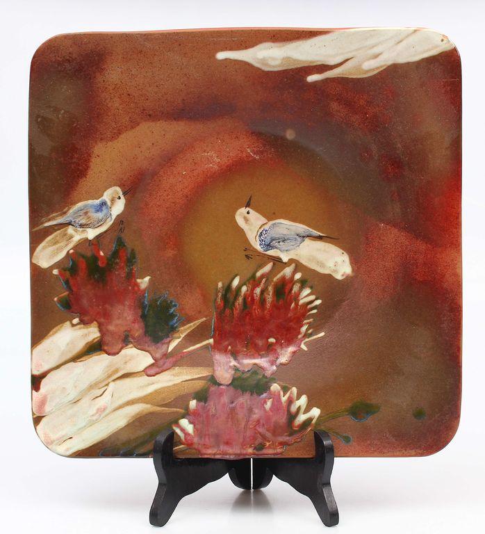 Dekoratīvais keramikas sienas šķīvis