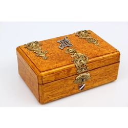 Karelian birch chest for cigars