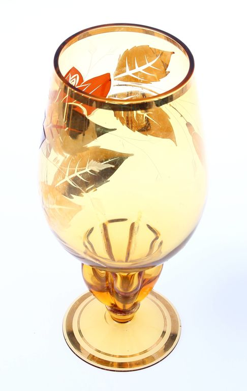 Стеклянная ваза