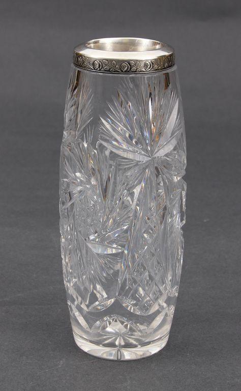 Kristala vāze ar sudraba apdari
