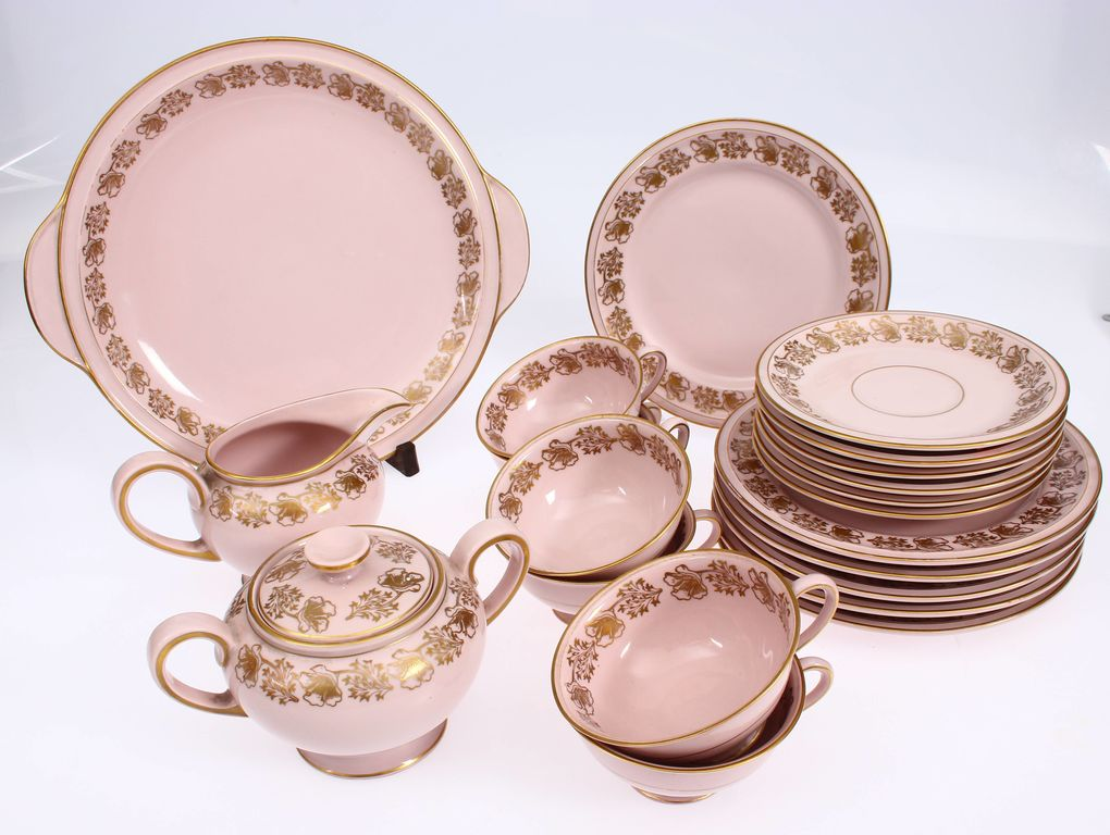 Porcelain set for 6 people (missing kettle)