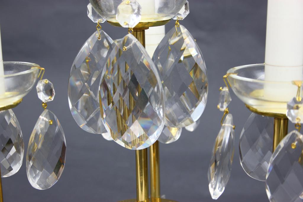 Kristāla galda lampa