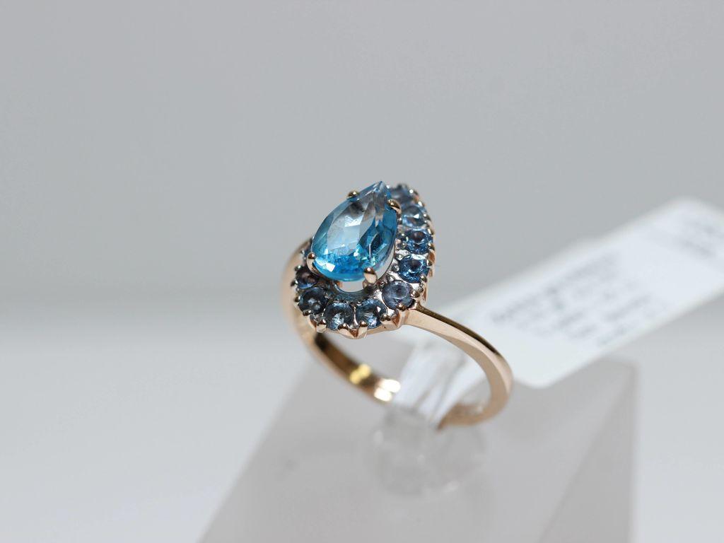 Zelta gredzens ar topāzu, sintētisko špineli