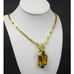 Necklace with 86 brilliants and 2 natural emeralds and natural golden beryllium