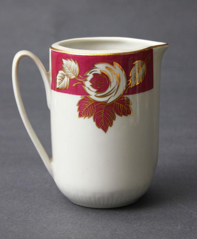 Porcelāna piena kanniņa