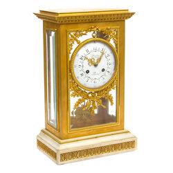Francijā ražots zeltītas bronzas kamīna pulkstenis
