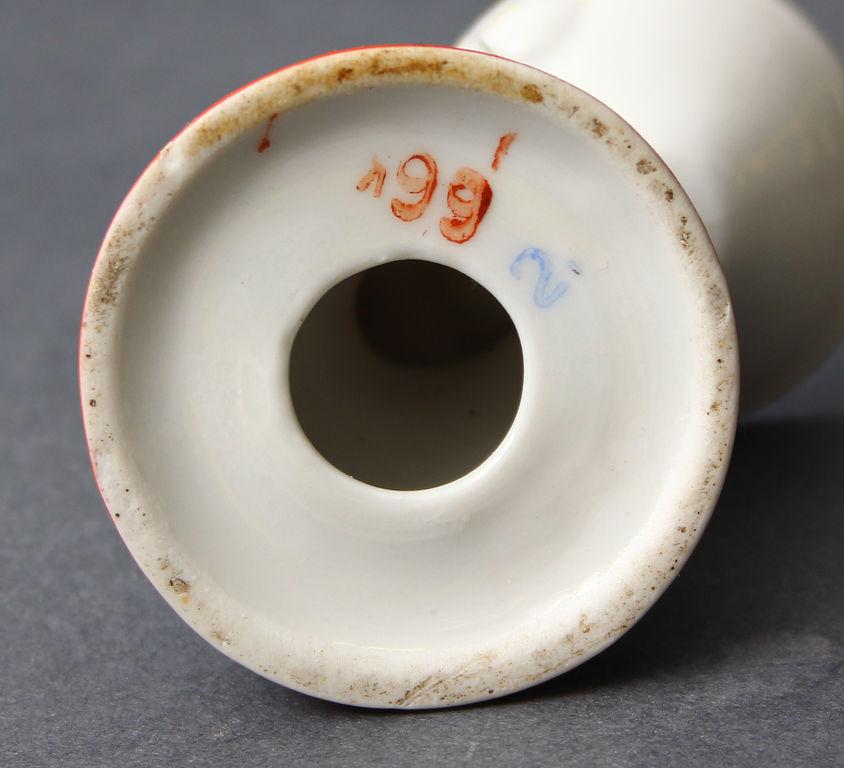 Porcelāna suvenīrs-sālstrauks