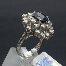 Zelta gredzens ar safīru un briljantiem
